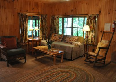 Vacation-lodging-on-squam-4