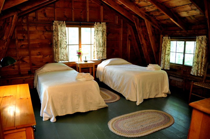 Vacation-lodging-on-squam-5