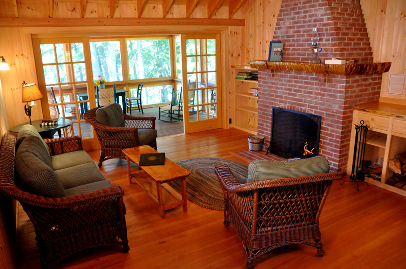 Vacation-lodging-on-squam-9